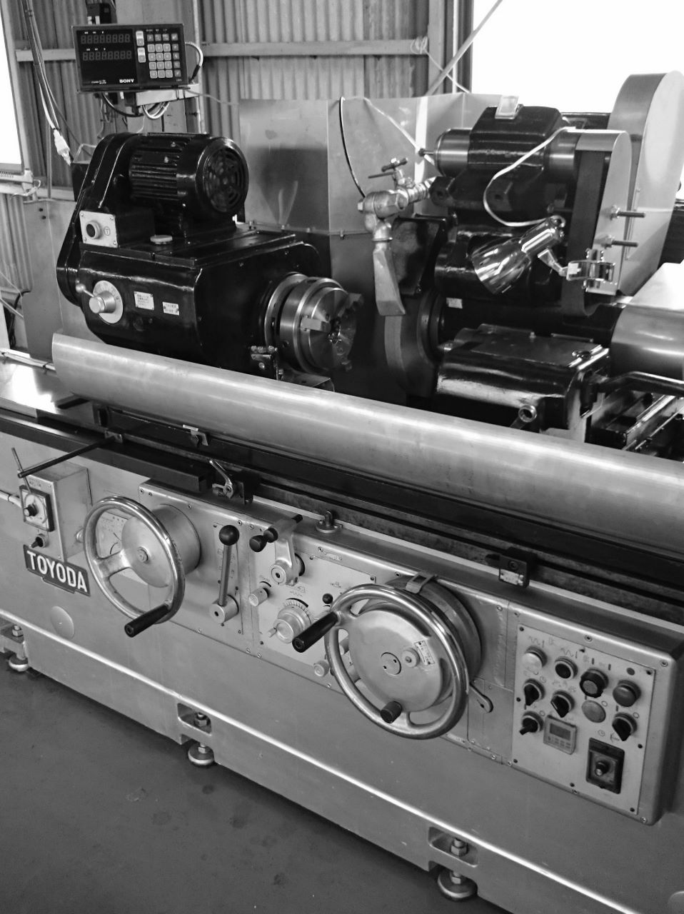 円筒研磨 丸研 円研 浜松東区 治具 設計製作 機械加工 専用機 金属切削 加工組立 フライス 旋盤 ワイヤーカット
